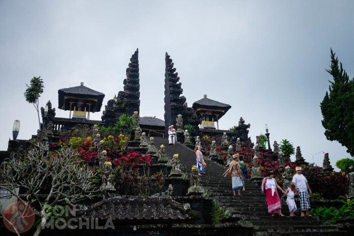 La entrada (cari bentar) a Pura Besakih
