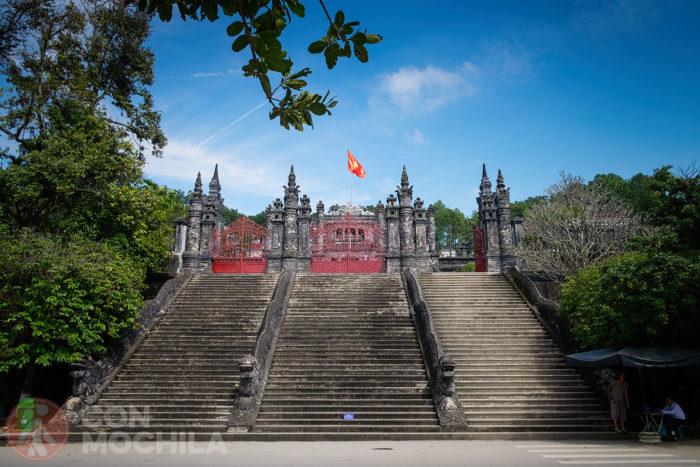 Bienvenidos a la tuma Khai Dinh