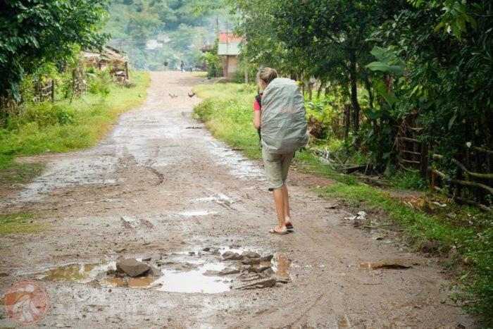 Saliendo de Vieng Phouka (Laos)