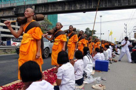 Monjes budistas Bangkok