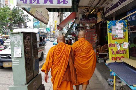 Monjes en Bangkok