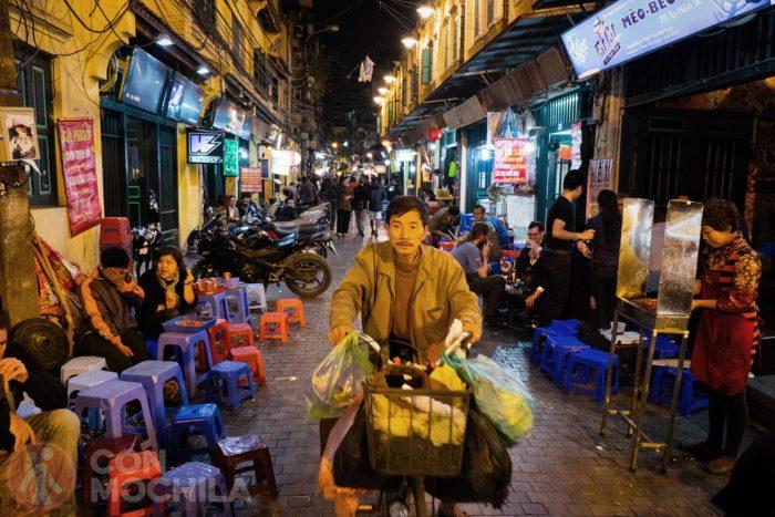 Prueba la Boi Hoi en uno de los puestos callejeros