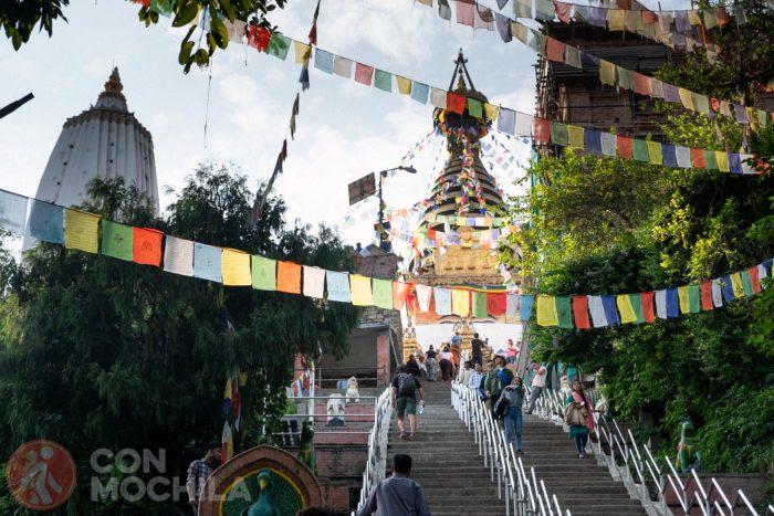 Subida al templo Swayambhunath