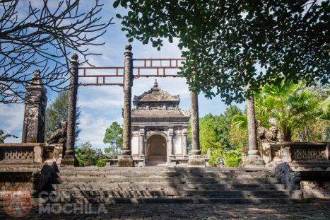 Tumba Dong Khanh