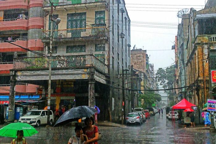 Restos coloniales en Yangón, también conocida como Rangún.
